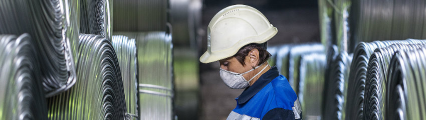 servitization-manufacturer-manufacturing-production-blue-collar-change-management-internal-communication-3